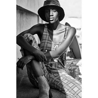 bw test photography female model