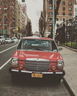 streetphotography newyorkcity road ny nyc vintagecars vintagecar newyork lifestyle usa photooftheday drivetastefully mercedes drive street picoftheday photography