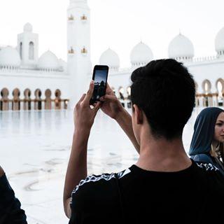 grandmosque sheikhzayed voyeur photography x100f instagram white mosque fujifilm spiritual abudhabi quiet flowers uae marble 35mm