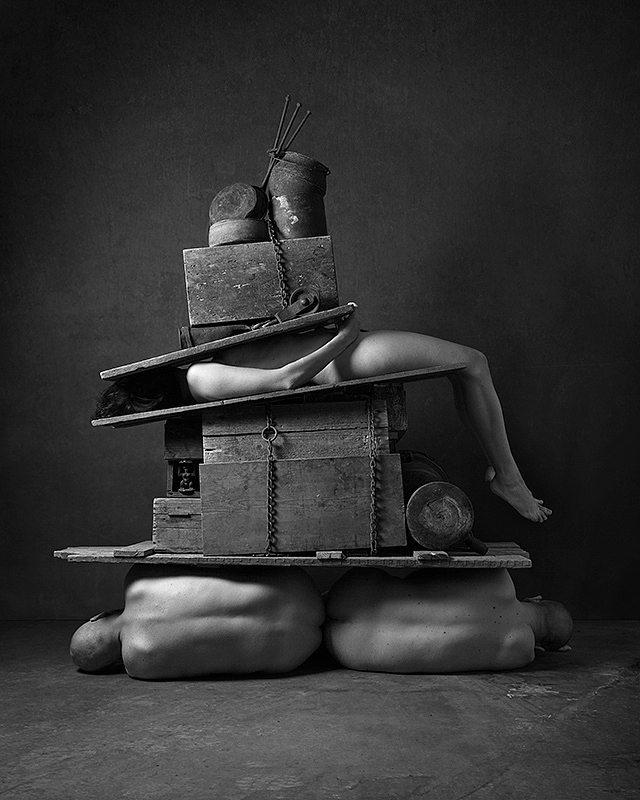 weird equilibrium bizzarro blackandwhite equilibrio fineart bw corpi art dark surreale surreal stuff stack arte bodies people corpo boby