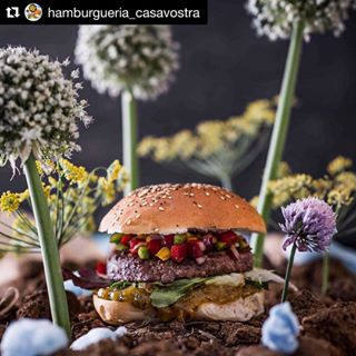 fromanotherplanet sharefood bestburger food burgerporn foodstylist burgerofthemonth hamburgueriacasavostra foodies foodforfoodies burgers hungry foodphotographer eeeeets foodphotography foodpictures yummy foodspotting kingston meal foodstagram casavostra instafood burger burgertime cuisine eat repost foodlover foodporn