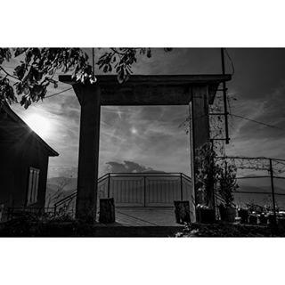 castle bnwphotography piazzacastello orient otw lartediuscirsene changeyourpointofview