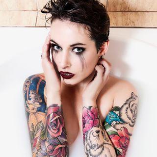tattooedgirl bath tattooedwomen nudeshoot alternativemodel milkbath tattoo tattooedbeauty bathshoot shorthair milkbathphotography
