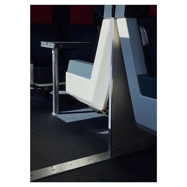 seats ewiv 80sstyle gominimalmag phonepic sbb interior firstclass