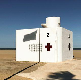 sun summer ihaveathingforminimal beach sos minimalove minimalism streetphotography malvarrosa valencia flag