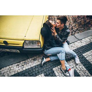 inspiration 35mm kissing lovers instalive instalove влюбленные streetohotography paarshooting shooting любить lovemovements loveemotions lovestory streetphotographers dortmund emotions photographerdüsseldorf fotografdortmund photographergemany fotograf фотограф mishakovalovphotography