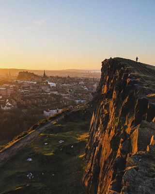 sunset edinburgh canonteam canon6d scotland photography yesat scottish beautyofscotland arthurseat picturegram