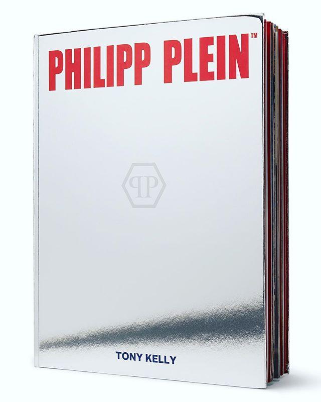highfashion art havesomemagic limitededition fashion fineart design pestkashoots phillipplein photobook metallic pleinsport silver bookdesign collectors plein chrome