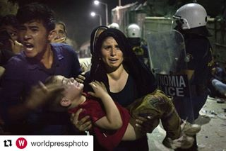 borders documentaryphotography riots repost greece refugeescrises fence lesbos nikospilos worldpressphoto documentary child immigrants crisis trapped moriacamp photojournalism wpph2017