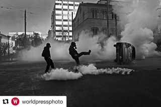 riots police repost protest worldpressphoto crisis nikospilos documentaryphotography documentary wpph2017 photojournalism greece car anarchists youth resistance teargas
