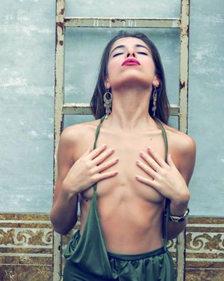 boudoir model eroticart beauty fashion beautygirl artistic_nude lingerie latina pinup