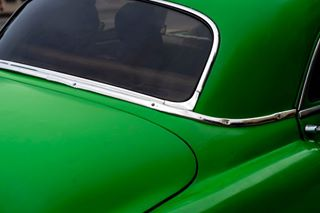 americanboy auto americano documentaryphotography cochesclasicos automobile cuba color documentary vedado classiccars carlifestyle lahabana backtocolor colour verde classiccar fotografiadocumental documental green car