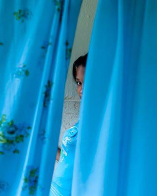 documentaryphotography documental vedado backtocolor blackwoman portrait cuba estudio color studio fotografiadocumental azul blue retratos retrato portraitphotography lahabana portraits colour blackwomen