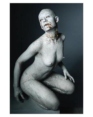 photography corruption nudeart symbolism fineart darkness gold clay shadows woman broken symbol female dark nude macabre metal body photo horror metallic studiophotography conceptual concept