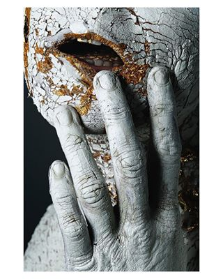 closeup hands studiophotography woman female gold fineart macabre metallic touch dark concept body nudeart nude darkness metal corruption shadows horror broken nails photo symbolism photography symbol fingers clay conceptual
