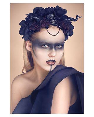 art studiophotography fashionphotography photographer designer woman conceptual dark photo model feminine headpiece studio makeup floral darkaesthetic fashion styling photography blonde