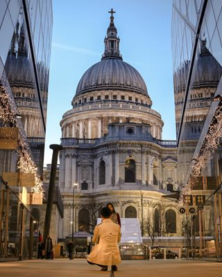 canon moments moodygrams stpauls londonist airbnb skyline proposal london_city_photo london🇬🇧 ig_london historichomes couple cathedral londoncitylife weddingmagazine landmarks romance humlondon marriage londoncity peoplegallery london