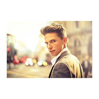 globe_people londonlife londonmodel londonactor istock dapperman modellife stockphotography businessmanlife londonheadshots theportraitpr0ject uk_ports londonphotography portraitvision manfashion londoninfluencer handsomeman streetphotographylondon londonphotographer milanphotographer britishboy