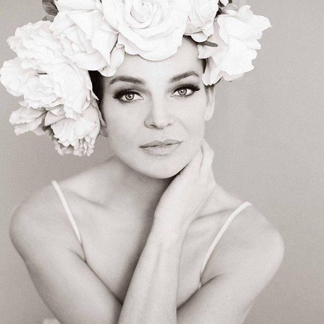 anjahindrikx dreamshootatelier flowers bw_photooftheday naturalbeauty pursuitofportraits endlessfaces portraitphotography tinelouwagiemakeupartist