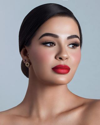 beauty photography modellife canon makeuplook makeup studio femalemodel beautymodel model pose