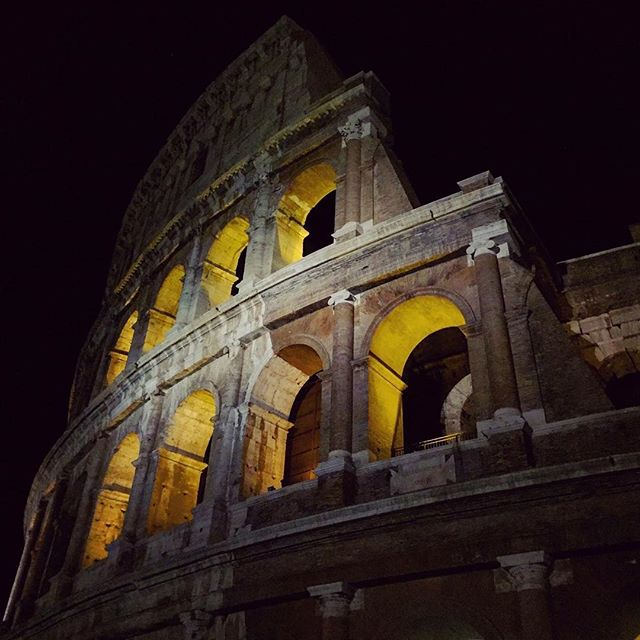 yesterday roma sightseeing instagood coloseum livestyle holidaycolo romebynight🌙 photooftheday