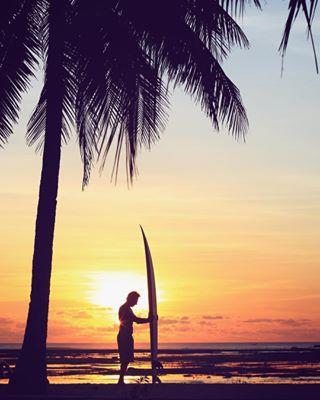 shapes photooftheday malole travelphotography sunset instagramers legend travelgram picoftheday roteisland felipepomar indonesia worldchampion