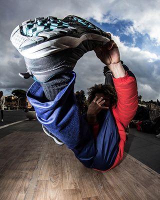 italia yogapose roma italy colosseo bboyblinnky telespallabob abstractphotography canon bboy picoftheday breakdance hiphop freeze crotone canon600d