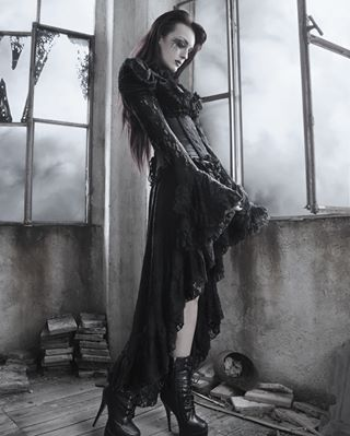skull gothmakeup igworldclub obscure ig_today beauty gothic girl nice oscuro goth gotico tattoo dark photooftheday europe gothicdress cuttedversion doll dress cute cathedral gothdress topspainphoto