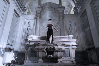 goth urbex gothic fashion altar abandoned divinity photo art photography godness darkesthour beauty god photoart ferrero chiesa divine dark arts gotico corset gothfashion church darkest