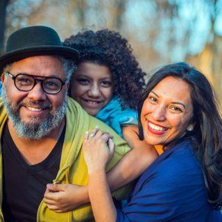 familyportraits createinplace captured extra happyfamily familyphotography lifestylephotographer visualstoryteller backtothefuture beforecovid alwayssmiles real creativewomen pandemic