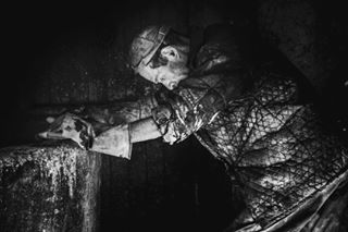 spicollective fight fes chains manatwork aperturecollective blackandwhite