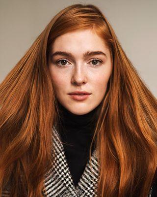 softlight naturallight beauty budapest girl photoshoot hungary pro freckles redhair vsco model tbt studio portrait
