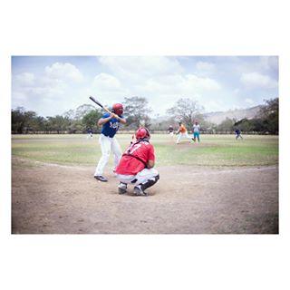 photographer sports lightroom sonyalphasclub team baseballboys editing baseball nicaragua 18 sportfotografie 17 fotografie availablelight sportsphotography action fotograf