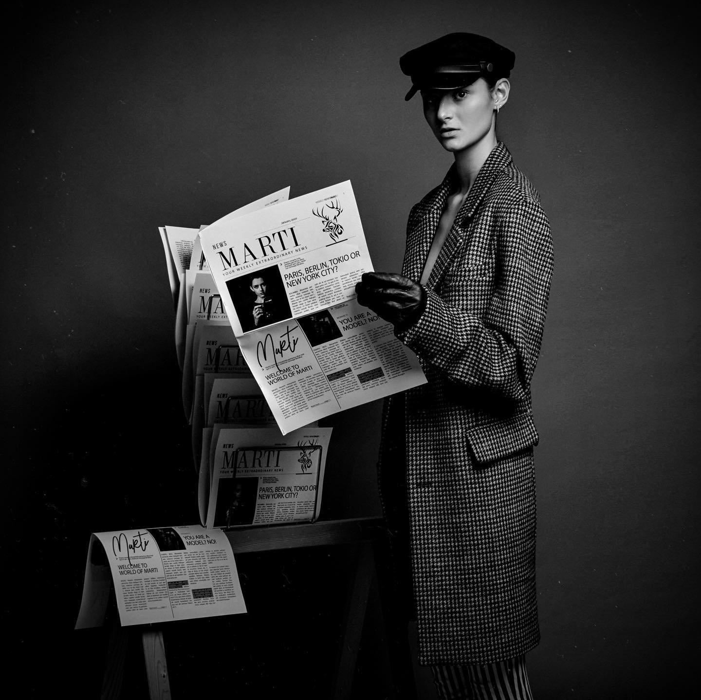 vintage fashion woman me love germanblogger news newspaper portrait analog proimaging blackandwhite Paris