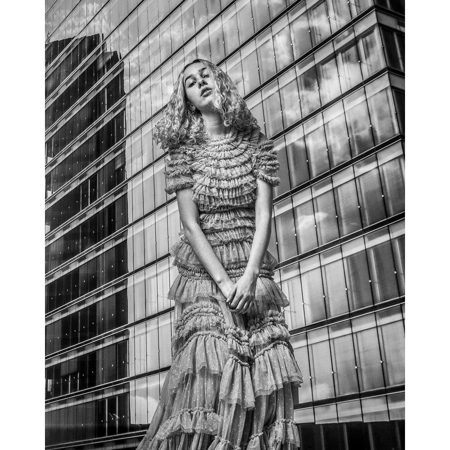 love photography c4c portrait germanblogger proimaging bw building skyscraper city