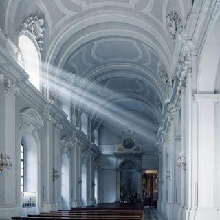 germany deutschland rayoflight interior kathedraal light architecture ray white church ddr dresden