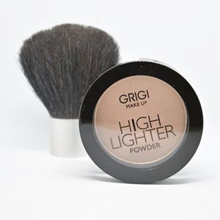 grigimakeup highlighter morebeauty beauty musthave cosmetics highlightonfleek cosmetic