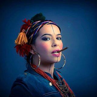 portrait musiciens berbere comedienne musicienne musique color tijanapakic