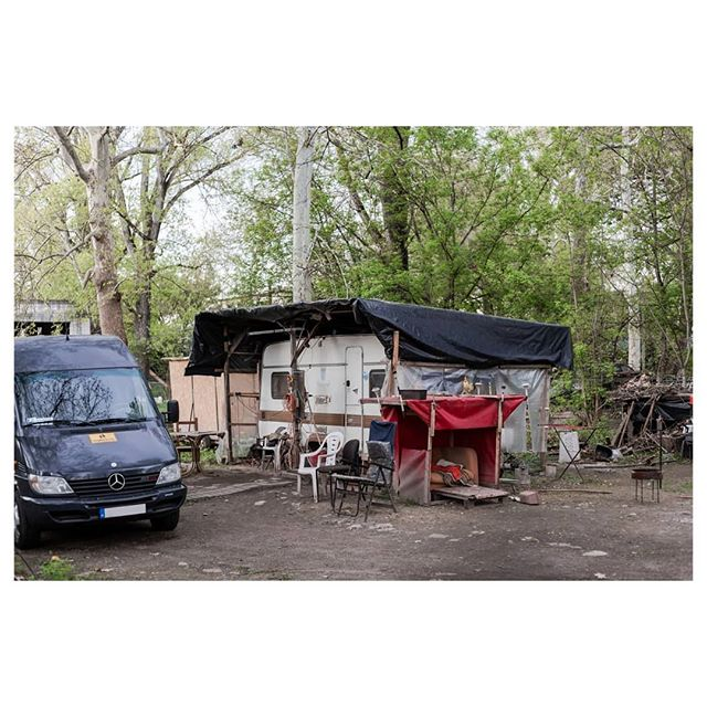trash travel nature street life fathcgraphy caravans adamcsom caravanlife photography homeless budapest caravan documentary city trailer documentaryphotography photodocumentary homesweethome streetphotos traveling
