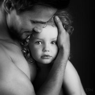 father fatherson parenthood childhood child children bnw_legit bnw_drama bnw_greatshots bnwphotography