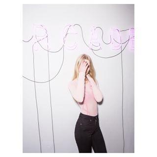 blonde arcadestudiomilano model
