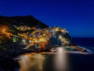 5terre borghi borghiditalia borghiitaliani borghipiubelliditalia cinqueterre discoveritaly discovery fiaf fiafers ilikeitaly italiainunoscatto italia_landscape italialandscapes italian_places italian_trips italianvillages loves_longexposure manarola mare night parco5terre parcocinqueterre photography photographypassion pic_and_passion_photography sea yallersitalia yallersliguria