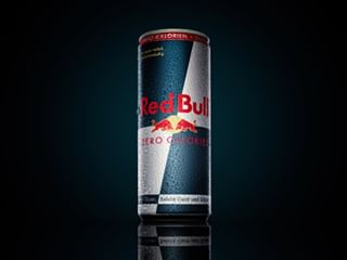 dynamic beverages splash produktfotografie photographer liquid stilllife redbull photography lucianmitiu