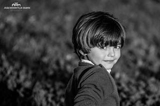 bnw boy family familysessions model photographer portrait shy