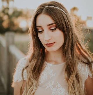 beautiful boda bonita bridal bride chica corona crown cute dress flores flowers fotografia girl light luz naturaleza nature novia ohlala photography sesion shooting vestido video wedding white
