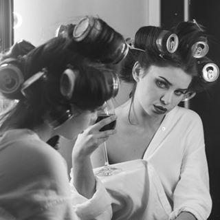 50s 50sstyle beauty cocacola glassofwine hairrollers hairstyle igers igersitalia igerslazio igersroma instadaily instagood instagram instalike mirror paolopizzi vintage vintagestyle wine