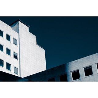 monchrome cityscape nikon street blackandwhite lightandshadow minimalism architecture urbanjungle city antwerpen moody