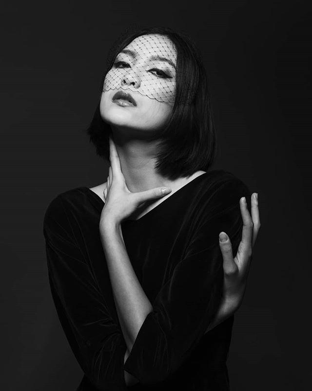 model elegance ファション artwork fashionshoot blackwhite love 愛 woman powerful fashionphotographer portraitphotography fashionphotography