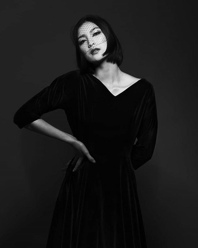 fashionphotographer blackwhite fashionphotography artwork portraitphotography powerful love 愛 woman ファション model elegance fashionshoot
