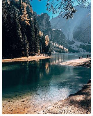 autumn braies braieslake conmigoabraies dolomiti girlwhotravels igersdolomiti instatravel lagobraies lagodibraies lake mountains nature outdoor photooftheday sudtirol